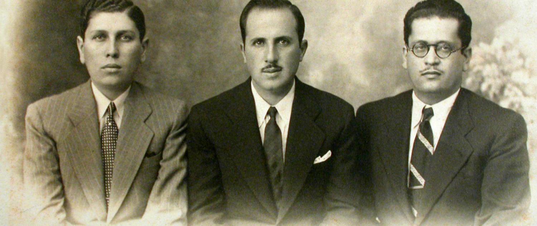1928 | Os libaneses João Pedro Cassab, Elias Cassab e Mansur Cassab, recém-chegados ao Brasil, fundam a empresa João Pedro Cassab & Companhia em Morro Grande, no distrito de Rio Claro, SP.