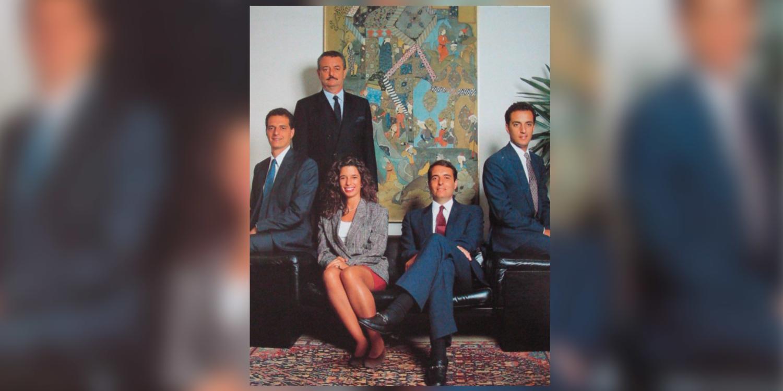1979 | Ocorre a entrada da terceira geração da família no grupo. Mário Sérgio, Victor e André Cutait, os três filhos de Fábio, ingressam na empresa.